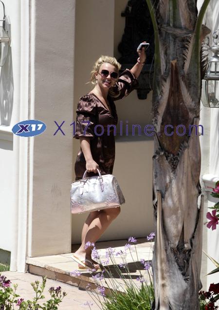 Britney Spears BSpearsVoice052108_005_X17.jpg