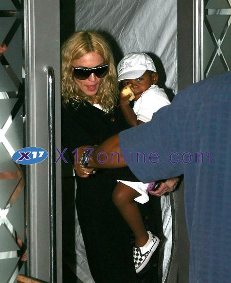 Madonna062708_01_X17.jpg