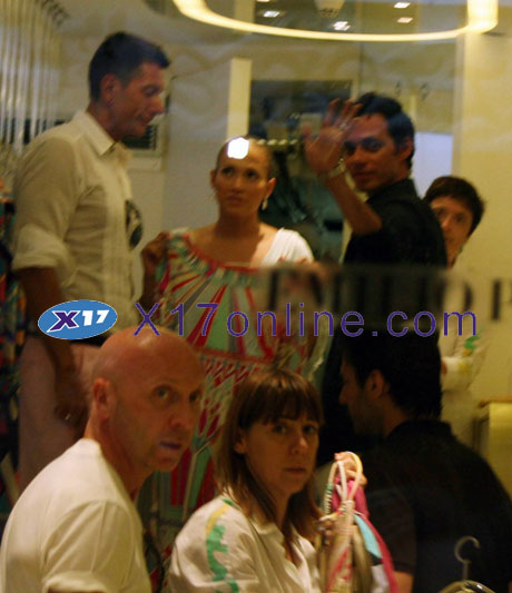 Jennifer Lopez JLopezPucci070708_20_X17.jpg