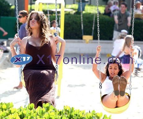 Kim Kardashian KKardashian0714_16_X17.jpg