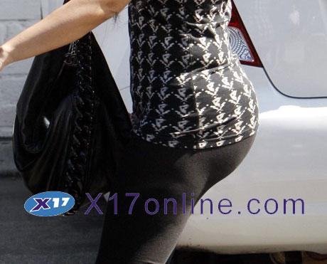 Kim Kardashian KKardashian072208_01_X17.jpg