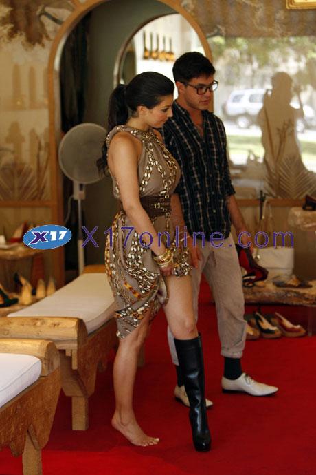 Kim Kardashian KKardashian072708_16_X17.jpg