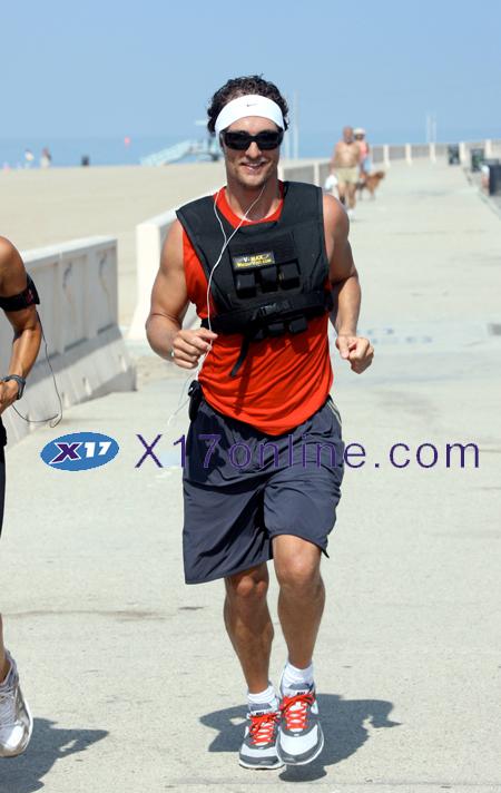 Matthew McConaughey MMcConaughey081608_35_X17.jpg