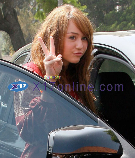 Miley Cyrus MCyrusRed0916_02_X17.jpg