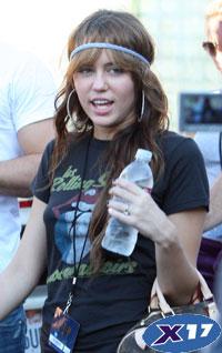 Miley Cyrus mileynewhannahmontanasong.jpg