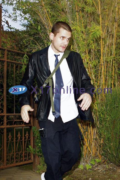 John Mayer JMayer101508_11_X17.jpg