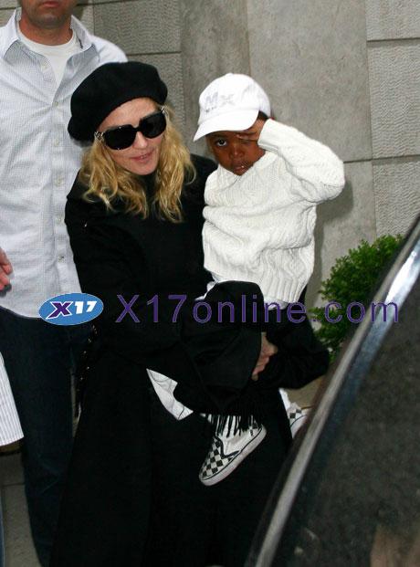 MadonnaDavid102508_001_X17.jpg