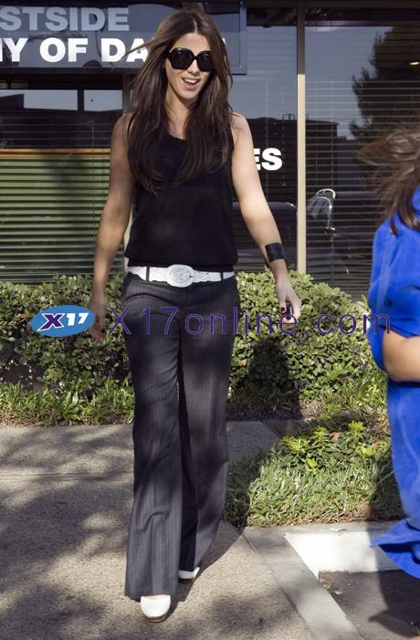 Kate Beckinsale beckinsale102108_03_X17.jpg