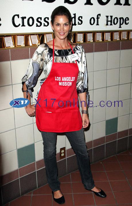 Cindy Crawford ccrawford112508_14_X17.jpg