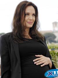 Angelina Jolie AngelinaDietPreg2.jpg