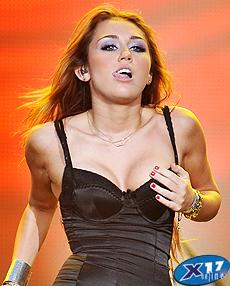Hanah montanas boob
