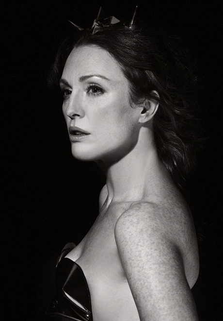 juliannemoore460.jpg