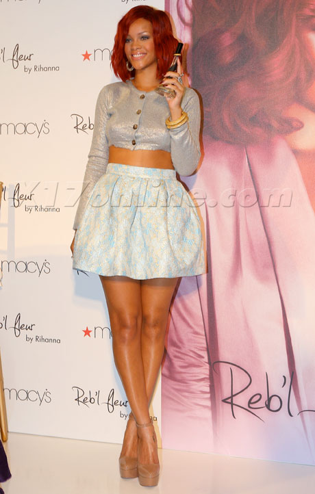 rihannalaunch021811_07_fix.jpg