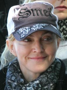 Madonna091510_01_X17230WM.jpg