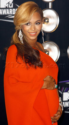 BeyoncePregnancyMovie230.jpg