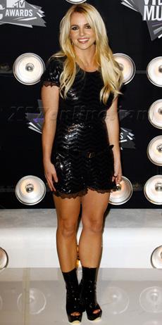 BritneySpearsBrandSense230.jpg