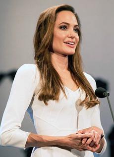 AngelinaJolieUN230.2.jpg