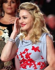 MadonnaWEBooed230.jpg