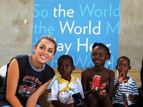 MileyCyrusStarkeyHearingFoundation.jpg