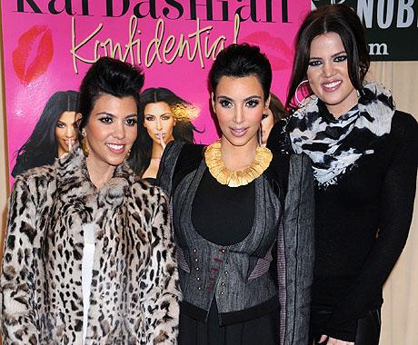 460kardashian113010_07_X17.jpg