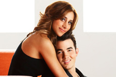 kevin-and-danielle-jonas-23.jpg