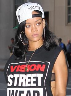 Rihanna060212_01_X17.jpg