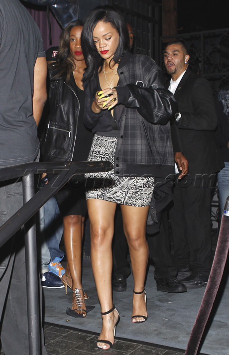 rihanna-club-change-460.jpg