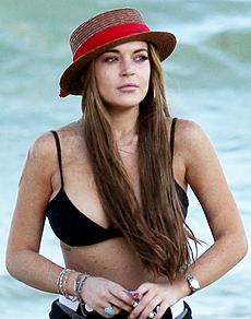 lohan-230-bikini.jpg