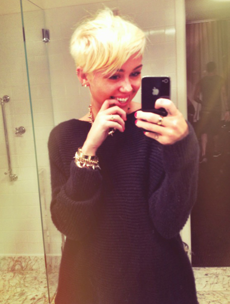 miley-new-short-hair-460.jpg