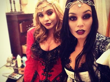 Vanessa-Hudgens-Stella-Hudgens-Vampires-Halloween.jpg