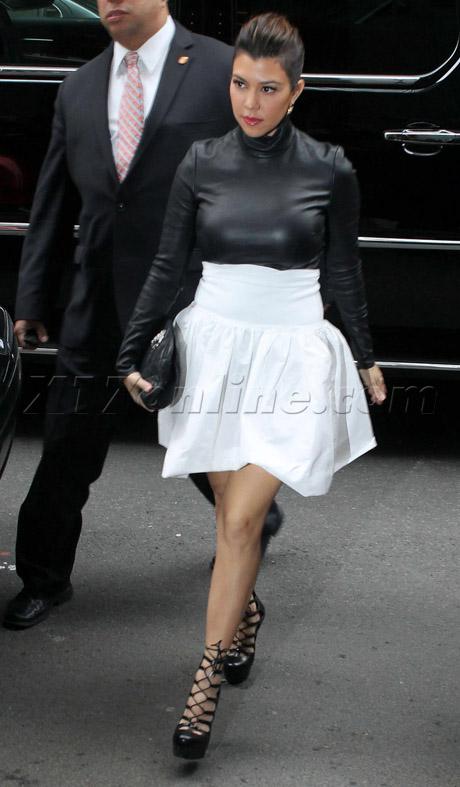 kardashian011513_21_X17pic460.jpg