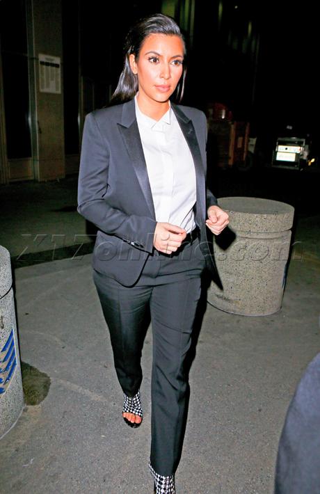 kimkardashian011613_04_X17bright.jpg