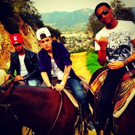 bieber-pals-horses.jpg