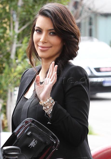 kim-kardashian-black-preggo-460.jpg