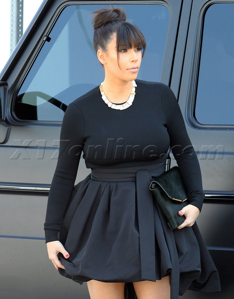 kardashian-skirt032213_02-full.jpg