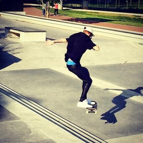 Justin-Bieber-Skateboarding.jpg