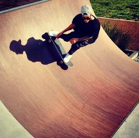 Justin-Bieber-Skating-Style.jpg