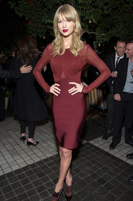 taylor-swift-red-dress-460.jpg