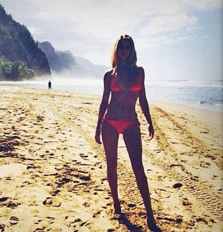 rosie-bikini-hawaii.jpg