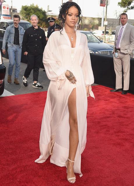 Rihanna_MTVMovieAwards_041314.jpg