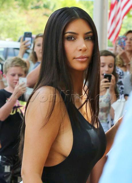 kim-kardashian-side-boob-tit-nipple.jpg