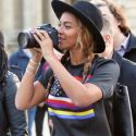 Beyonce Plays Tourist While Jay Z Is On Daddy Duty In Paris