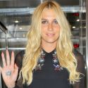 Kesha Looks Ready For The Red Carpet After Hopping Off A Plane