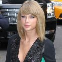 Taylor Swift Ditches Her Matronly Style For Sexy <em>David Letterman</em> Appearance