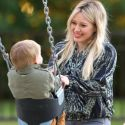 "<em><span class=""exclusive"">EXCLUSIVE PHOTOS</span></em> - Hilary Duff And Son Luca Fly High At The Park"