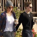 "<em><span class=""exclusive"">EXCLUSIVE PHOTOS</span></em> - Kristen Stewart And Her Girlfriend Alicia Cargile Don Matching Beanies For A Coffee Run"