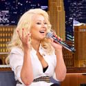 Christina Aguilera Does Spot-On Impression Of Britney Spears Singing On <em>The Tonight Show With Jimmy Fallon</em>