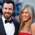 "<em><span class=""exclusive"">BREAKING NEWS</span></em> - Jennifer Aniston And Justin Theroux Married In Secret Backyard Wedding"