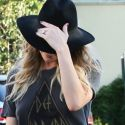 LeAnn Rimes Shows Some Serious Leg On The Last Days Of Summer