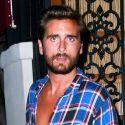 "Scott Disick Posts Nude Kourtney Kardashian Pic: ""Now That's 1 Hot Mama"""